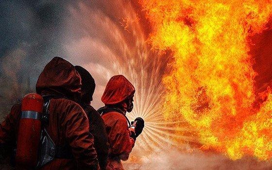 ВДесногорске сгорели две иномарки