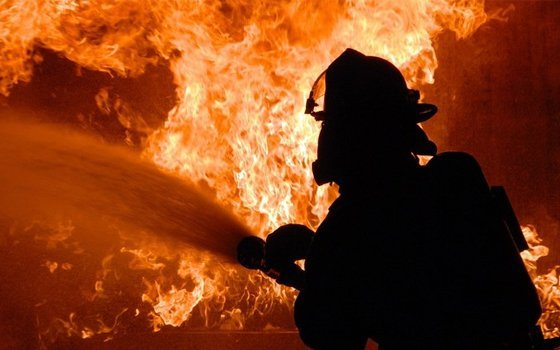 ВВязьме отудара молнии загорелась квартира