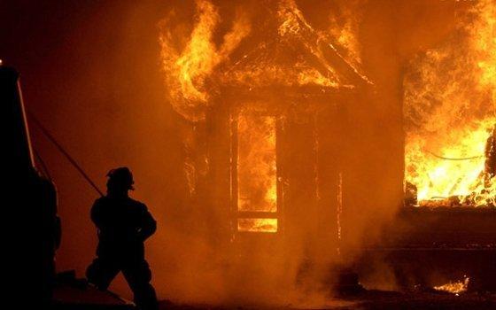 ВСмоленской области пенсионер умер впламени