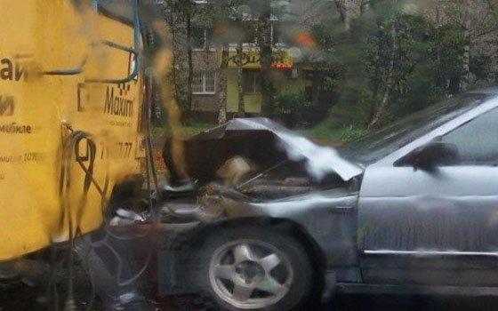 ВСмоленске случилось ДТП сучастием троллейбуса