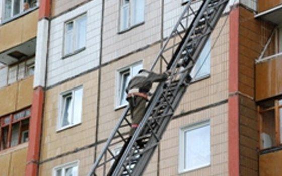 Вцентре Смоленска загорелись два смежных балкона