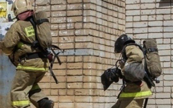 Четверо человек эвакуировали впроцессе пожара изпятиэтажки вКолодне