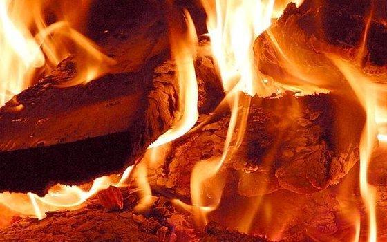В течение прошедших суток огнеборцы три раза выезжали на тушение трех жилых домов расположенных в разных районах области