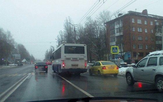 Шофёр автобуса сбил пешехода наулице Николаева вСмоленске
