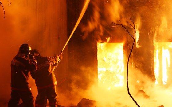 Впожаре вобщежитии есть пострадавшие