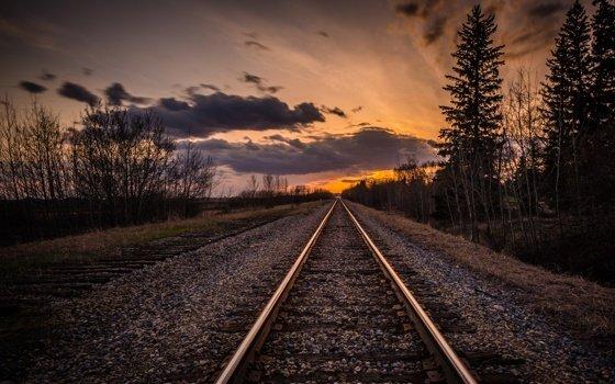 Под Смоленском поезд насмерть сбил женщину