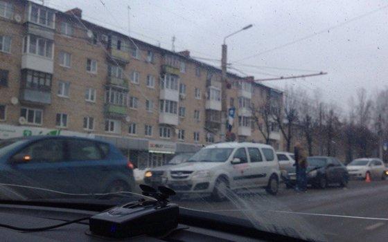 Детали ДТП с«паровозом» наКирова. Пострадали два человека