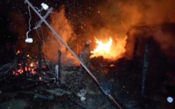 ВСмоленской области огонь уничтожил трехквартирный дом