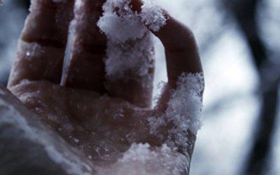 ВСмоленске пенсионерка замерзла всугробе
