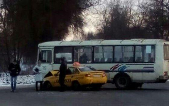 Натрассе «Москва-Малоярославец-Рославль-Беларусь» вступили в«битву» такси и«ПАЗ»