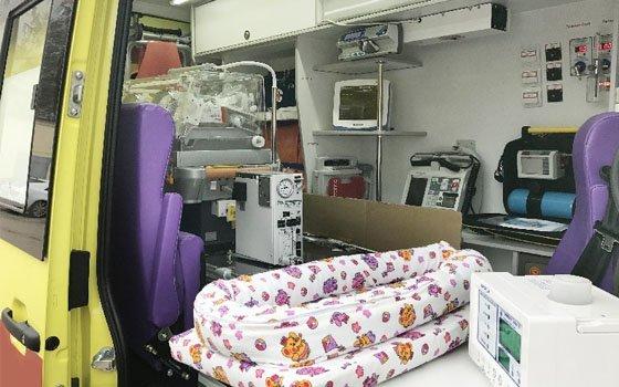 Смоленский строящийся перинатальный центр получил два новых реанимобиля