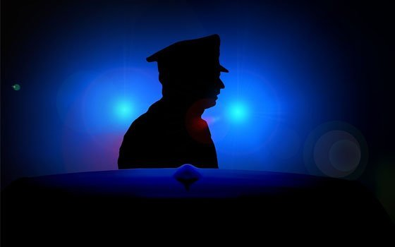 ВСмоленске ввырытой траншее обнаружили труп мужчины, засыпанный землей