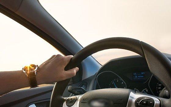 Работник смоленского автосервиса угнал дорогостоящее авто клиента