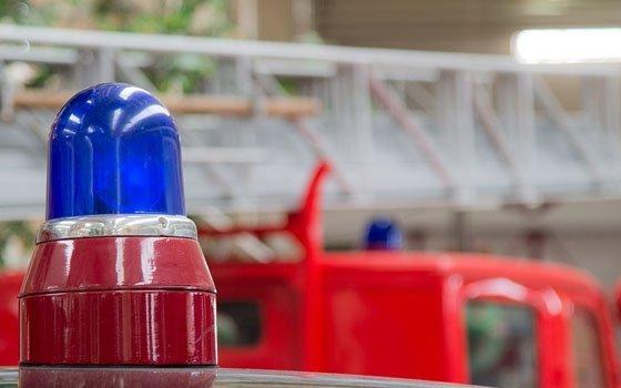 Смоленские огнеборцы тушили «ВАЗ» в деревне Зимец