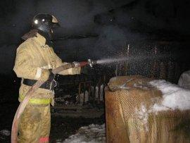 В Ярцево пенсионерка получила ожоги, пытаясь потушить свой дом