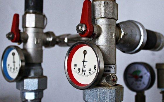 Жильцы пяти домов в Смоленске остались без горячей воды