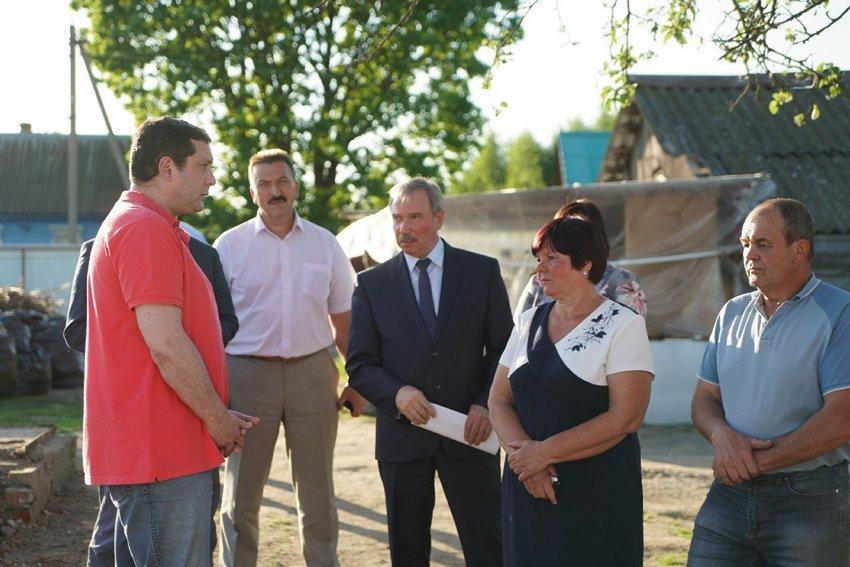 Крыша будет! Погорельцы из Рославльского района получат материальную помощь и жильё