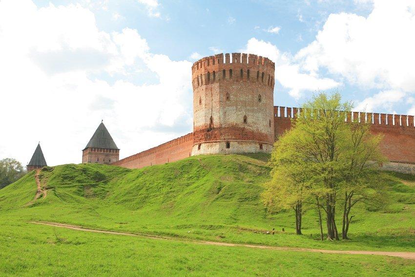 38 башен. Как будет проходить реставрация Смоленской крепости.