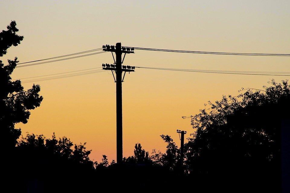 Смоленскэнерго напоминает жителям садоводческих хозяйств и сельских поселений о правилах электробезопасности