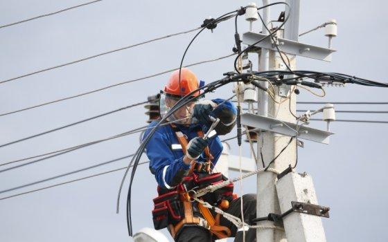 Специалисты Смоленскэнерго восстанавливают электроснабжение потребителей области