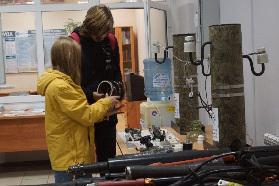 Энергетики Смоленскэнерго открыли двери Смоленского городского РЭС для студентов