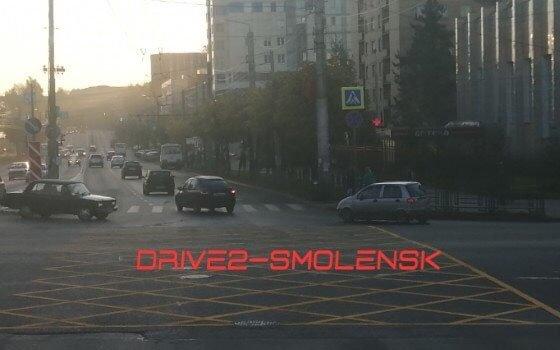 В Смоленске установили «вафельницу» и новый светофор