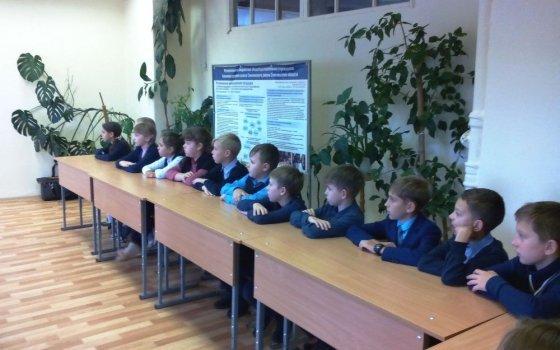 Железнодорожники провели открытый урок по безопасности для учащихся начальных классов