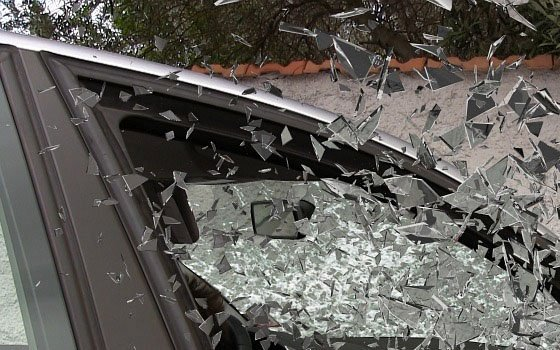 В центре Смоленска два легковых авто не поделили дорогу