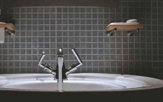 В Смоленске в 17 домах отключили воду