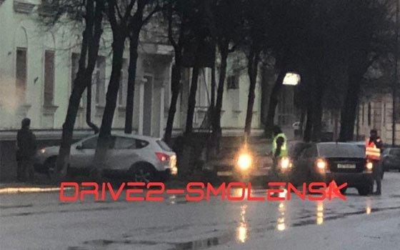 В Смоленске на Тухачевского случилось серьезное ДТП