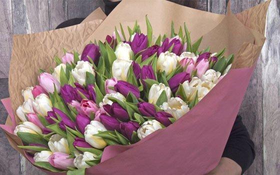 В Смоленске опубликован список адресов продажи цветов к 8 Марта