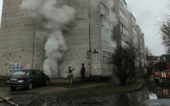 В Рославле горел подвал многоэтажки