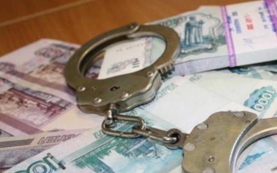 Водителя смоленской колонии подозревают в коррупции