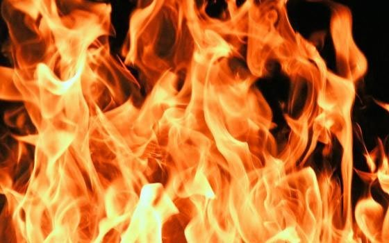 В Ельне на пожаре в двухэтажке сгорела 80-летняя пенсионерка