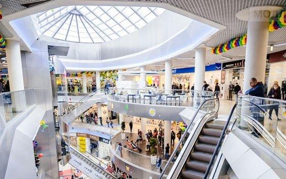 В смоленских торговых центрах продолжают работать некоторые магазины