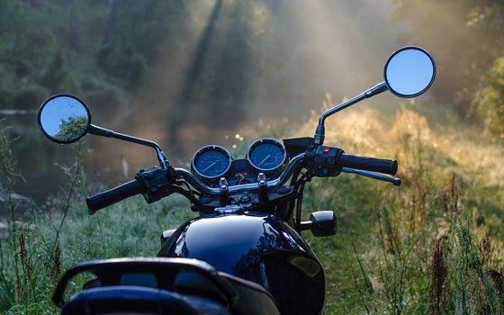 В Промышленном районе в ДТП покалечился мотоциклист