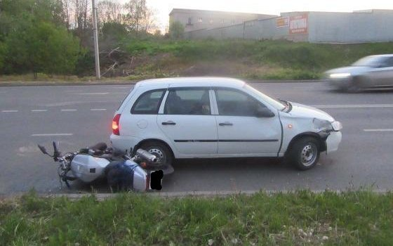 Водителя мотоцикла госпитализировали после ДТП в Смоленске