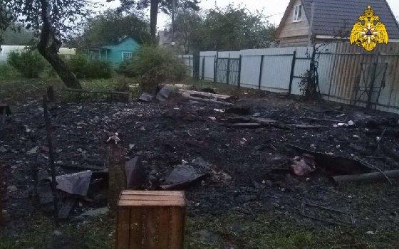 Ночной пожар на Смоленщине: огонь заметили слишком поздно