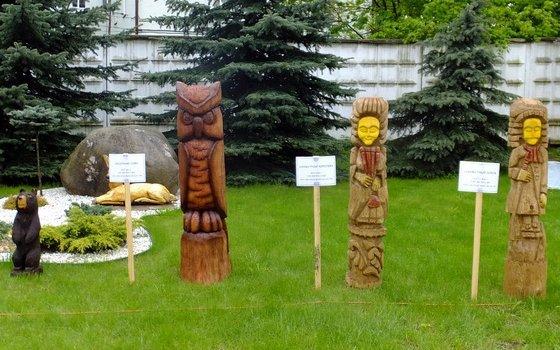Смоленские осужденные приняли участие в конкурсе деревянных фигур