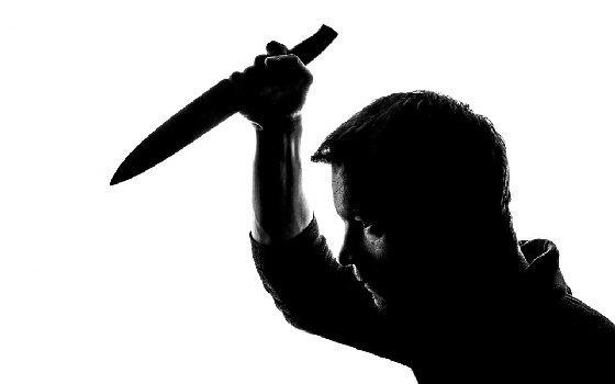 Случаи угрозы убийством на Смоленщине: разделочная доска, табурет и нож