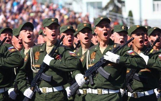 В Смоленске прошла первая репетиция военного парада Победы