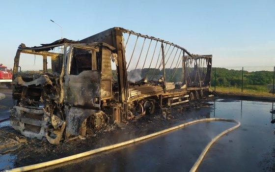 В Смоленской области на стоянке сгорел грузовик