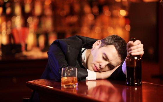 Более 130 раз смоляне распивали алкоголь в общественных местах